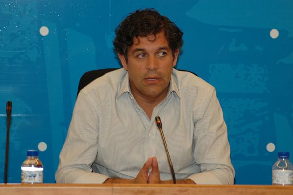 El alcalde, Agustín Juárez, durante la rueda de prensa en la que se informó sobre el estado de las arcas municipales