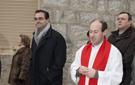 El sacerdote y el alclade de Collado durante la procesión