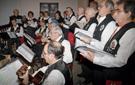 Cora durante la Misa